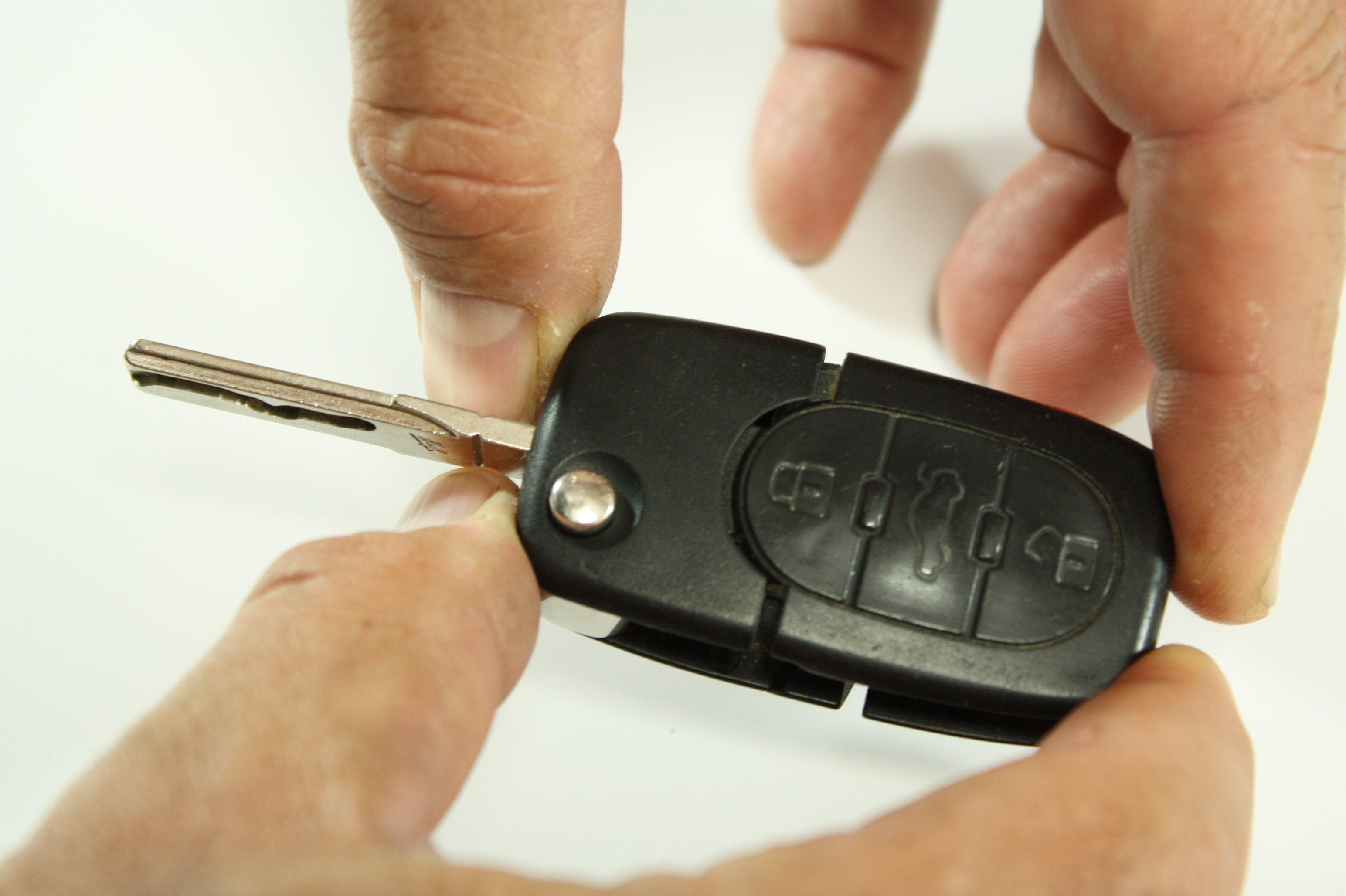 Key Fob Replacement >> Audi / VW Flip Key / Fob / Remote Battery Replacement ...