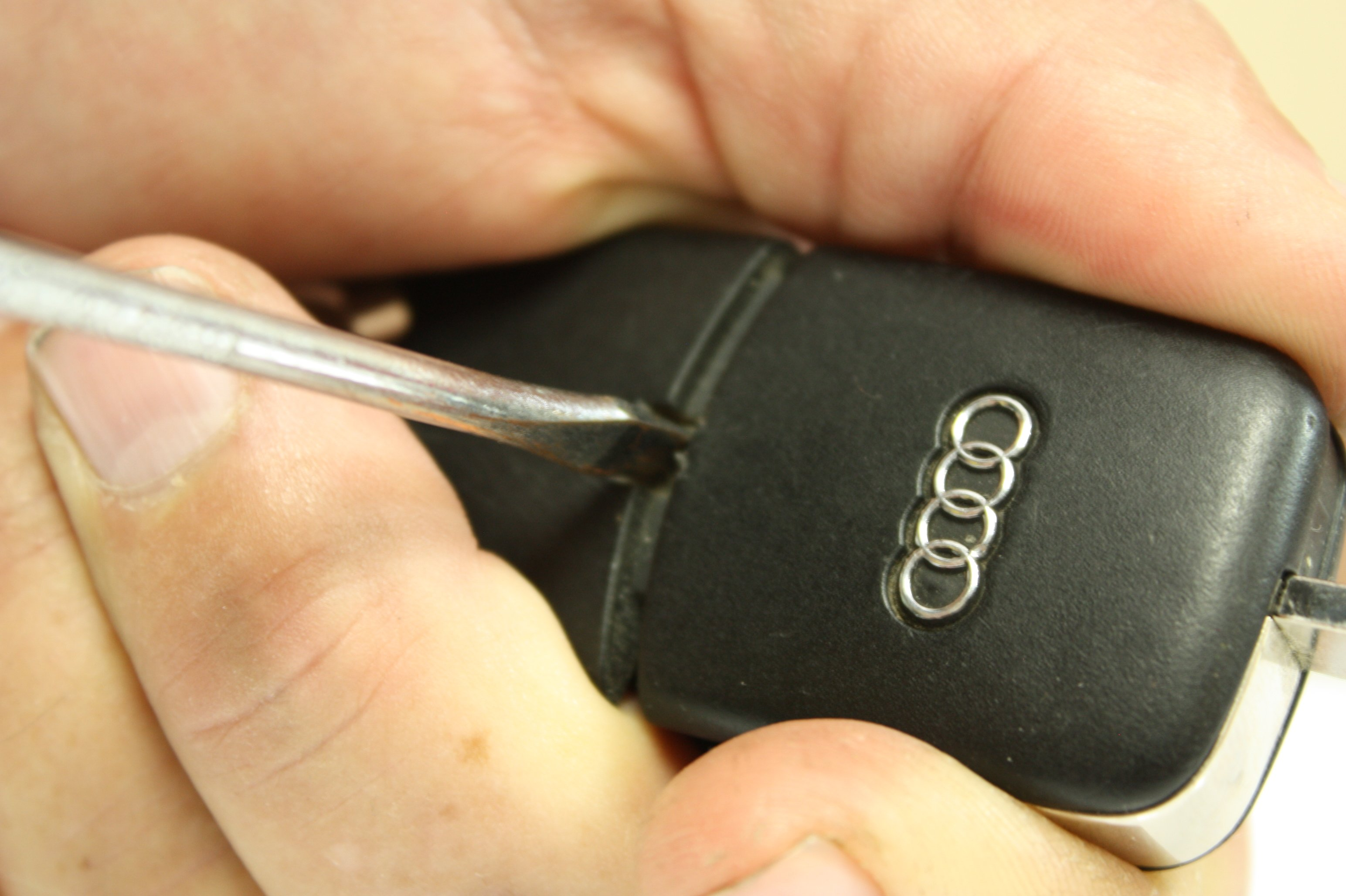 Audi / VW Flip Key / Fob / Remote Battery Replacement - Wolf Auto Parts Blog